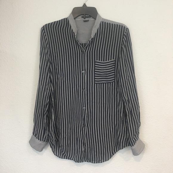 b096a45b837e3f ... Silk Striped Button Down Shirt Medium. M 5ac959a1077b978952563db0